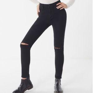 NWT UO BDG Ripped Knee Black High Rise Skinny Jean